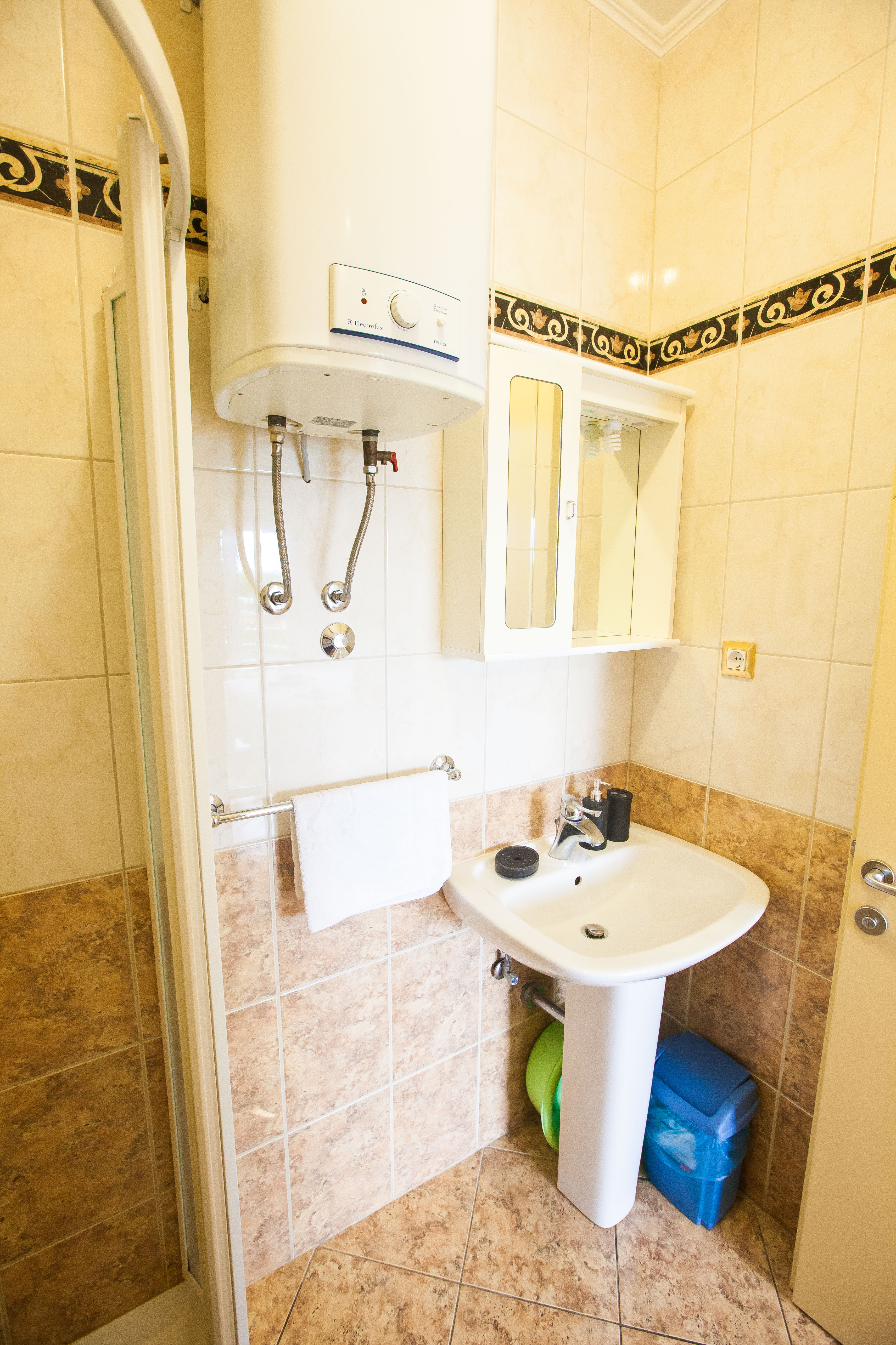 Rooms And Booking VillaJulia Official Website - Rooms for rent with private bathroom and kitchen
